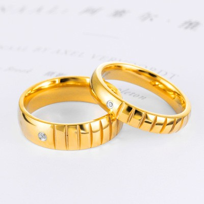 Tinnivi Stylish Gold Plated Fillister Titanium Steel Band For Couples