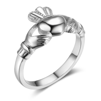 Tinnivi Simple Claddagh Sterling Silver Womens Ring