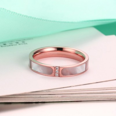 Tinnivi Titanium Steel Created White Sapphire Shell Rose Gold Womens Band