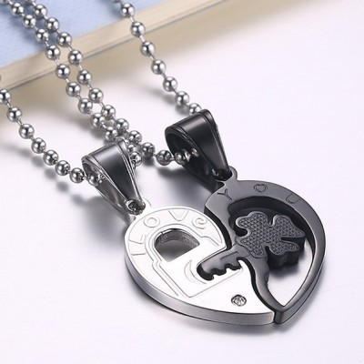 Tinnivi Key to Heart Silver And Black Titanium Steel Pendant Necklace With Chain For Couples