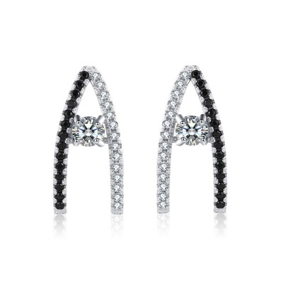 Tinnivi Stylish Sterling Silver Stud Earrings