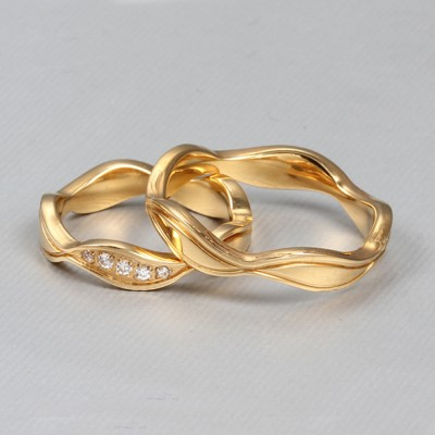 Wavy Titanium Steel Couples Ring