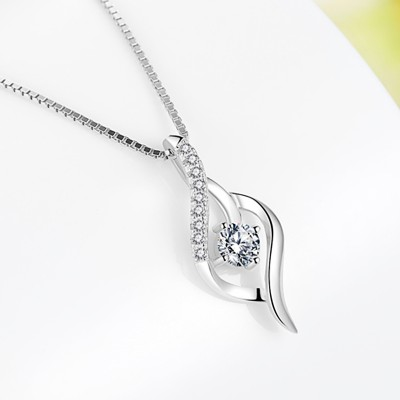 Gorgeous White Sapphire 925 Sterling Silver Necklace