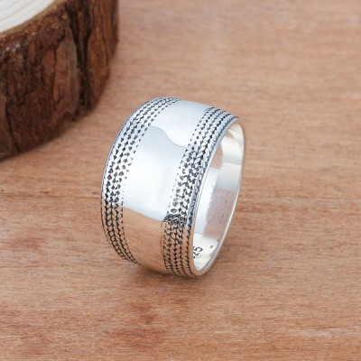 Tinnivi Fashion Wide Sterling Silver Band
