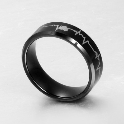 Tinnivi Black Heart Titanium Steel Wedding Band