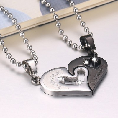 Tinnivi Titanium Steel Black Heart Pendant With Chain Necklace