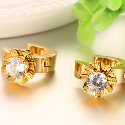 Tinnivi Gold Titanium Steel Created White Sapphire Flower Stud Earrings