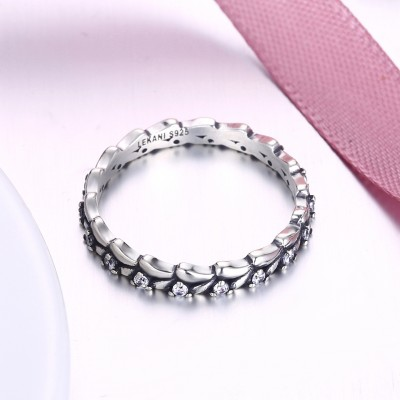 Tinnivi Fashion Created White Sapphire Sterling Silver Band
