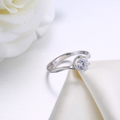 Tinnivi Classic Round Cut Created White Sapphire Sterling Silver Engagement Ring