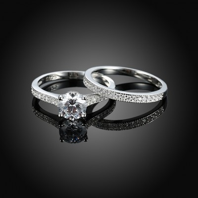 Tinnivi Classic Round Cut Created White Sapphire Sterling Silver Wedding Set