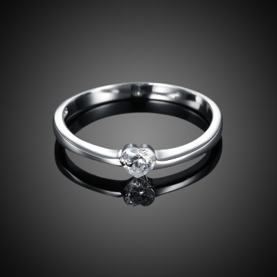 Tinnivi Simple Heart Cut Created White Sapphire Sterling Silver Ring