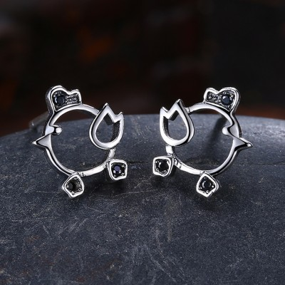 Tinnivi Chick Hollow Out Sterling Silver Stud Earrings